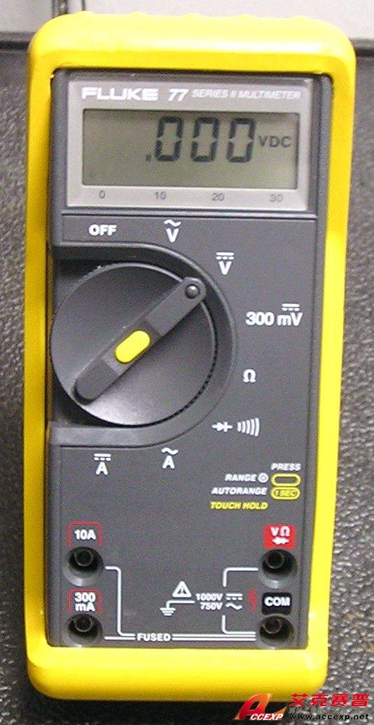 直流电压 最大电压:   Fluke 73: 600V   Fluke 77: 1000V   基本准确度: 0.30% 最大分辨率: 0.1 mV 交流电压 最大电压:   Fluke 73: 600V   Fluke 77: 1000V   基本准确度: 2% 最大分辨率: 1 mV 直流电流 最大电流: 10:00 AM 最大分辨率: 0.01 mA 基本准确度: 1.