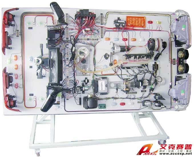帕萨特B5实验台按照帕萨特B5型全新全车电路电器线路安装而成。配有全车电线束,仪表盘,各种开关、前后灯光分电路、点火线圈、发动机电脑、传感器、继电器、中央线路板、节气组件等等。本实验台的相关配件均用实车实物。